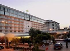 Pearl Continental Lahore - Lahore - Edificio