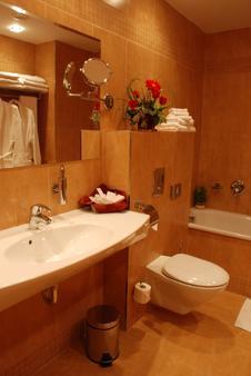 EA 桑納塔酒店 - 布拉格 - 布拉格 - 浴室