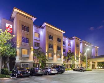 Best Western Plus Miami Airport North Hotel & Suites - Miami Springs - Edificio