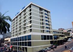 Hôtel La Falaise - Jaunde - Budynek