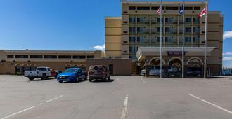 Clarion Hotel Convention Center - Minot