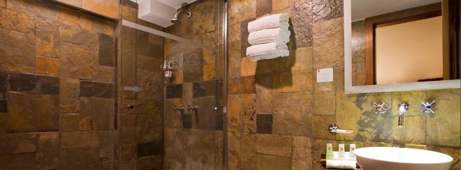 Nu House Boutique Hotel - Quito - Bathroom