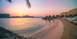 Traders Hotel, Abu Dhabi - Abu Dhabi - Praia