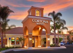 Cortona Inn & Suites Anaheim Resort - Anaheim - Building