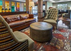 Best Western Plus Olathe Hotel - Olathe - Lounge