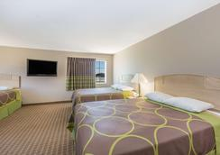 Super 8 by Wyndham Carroll/East - Carroll - Bedroom