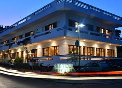 Ξενοδοχείο Ηρακλής - Ολυμπία - Κτίριο