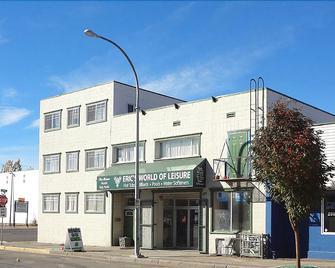 The Lotus Hostel & Rooms - Prince George - Building