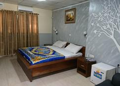 Hotel Pour Vous - Kinshasa - Bedroom