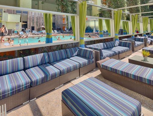 The Clarendon Hotel and Spa by GreenTree - Phoenix - Bar