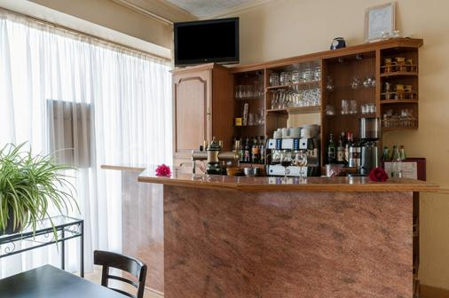 The Originals City, Hôtel Le Savoy, Caen (Inter-Hotel) - Καέν - Bar