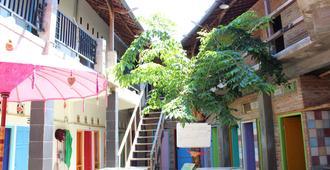 La Boheme Bajo - Hostel - Labuan Bajo