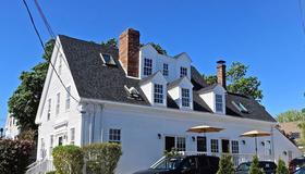 Atlantic Light Inn - Provincetown - Building