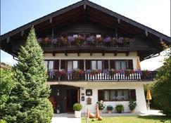 Hotel Setzberg zum See - Bad Wiessee - Gebäude
