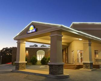 Days Inn by Wyndham Bridgewater Conference Center - Bridgewater - Edificio