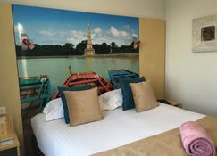 Best Western Le Vinci Loire Valley - Amboise - Bedroom