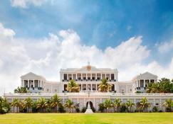Taj Falaknuma Palace - Hyderabad - Building