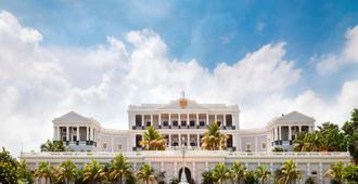 Taj Falaknuma Palace - היידרבד
