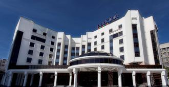 Park Inn by Radisson Ekaterinburg - Ekaterinburgo - Edificio