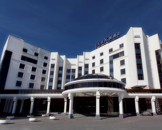 Park Inn by Radisson Ekaterinburg - Yekaterinburg - Building