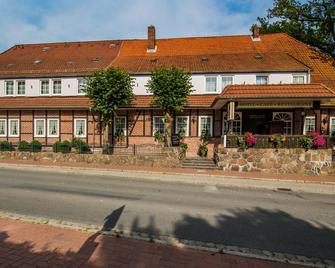 Hotel Acht Linden - Egestorf - Building