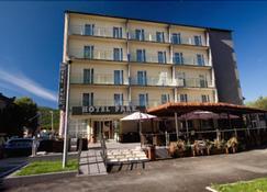 Hotel Park Exclusive - Otocac - Bâtiment