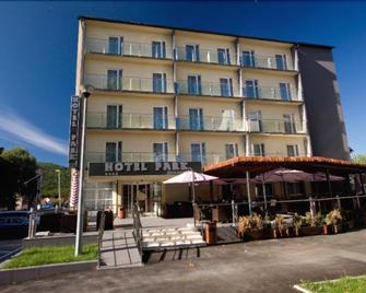 Hotel Park Exclusive - Оточац - Building