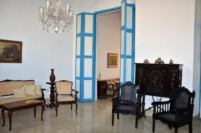 Casa Belen - Havana - Living room