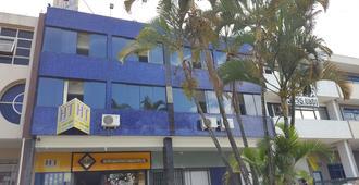 Ht Suites Mobiliadas - บราซิเลีย