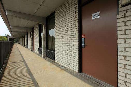 Americas Best Value Inn North Capital - Raleigh - Hallway