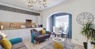 Mulberry House Style Lounge Deluxe Four Poster - מנצ'סטר - סלון