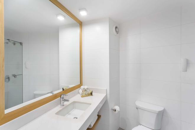 Ramada Encore Lima San Isidro - Lima - Phòng tắm