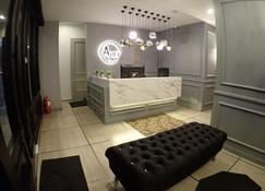 Apex Boutique Hotel - Petaling Jaya - Front desk