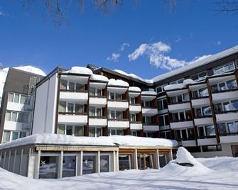 Parkhotel Quellenhof - Leukerbad - Edificio