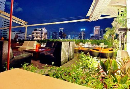 Le Fenix Sukhumvit - Bangkok - Parveke
