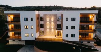Gaudi Accommodation - Cluj Napoca - Building