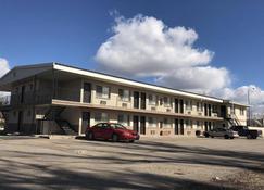 Vagabond Motel - Evanston - Building