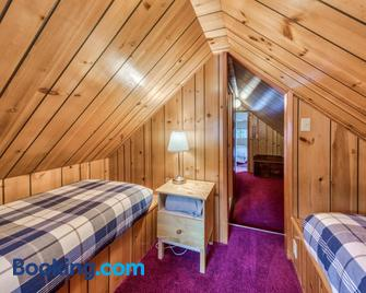 3Dogs Cabin - Government Camp - Bedroom