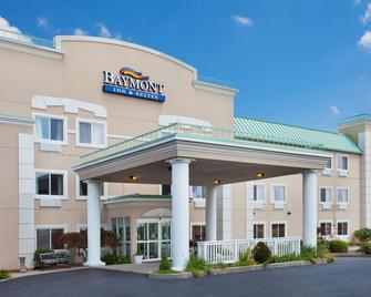 Baymont Inn And Suites Dale - Dale - Building