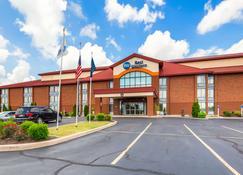 Best Western Luxbury Inn Fort Wayne - Fort Wayne - Bâtiment