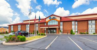 Best Western Luxbury Inn Fort Wayne - Fort Wayne
