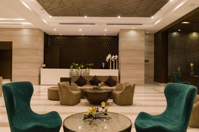 Aetas Lumpini - Bangkok - Receptionist