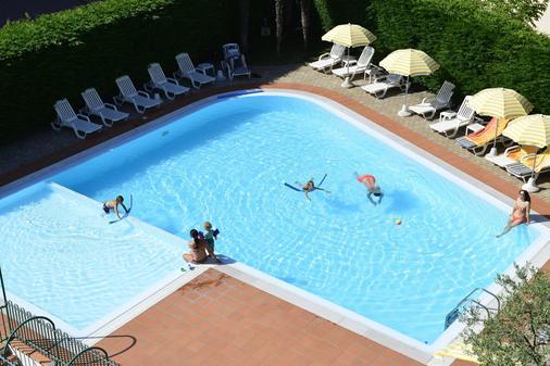Hotel Bella Peschiera - Peschiera del Garda - Πισίνα