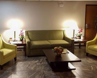 Quality Inn - Ozark - Вітальня