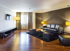 راديسون بلو هوتل، هامبرج - لشبونة - غرفة معيشة