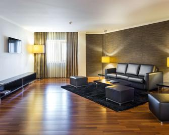 Radisson Blu Hotel, Lisbon - Lisbon - Living room