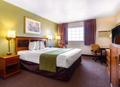 Rodeway Inn Auburn - Foresthill - Auburn - Habitación