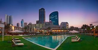 Crowne Plaza Bahrain - Manama - Piscina