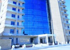 Spring Hotel - Novxani - Building