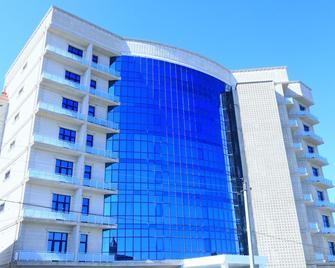 Spring Hotel & Spa - Novxani - Building